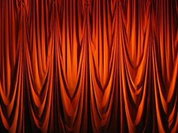 red_curtain_picture_1_167617